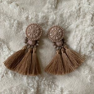 Jewelry - Mauve Tassel earrings